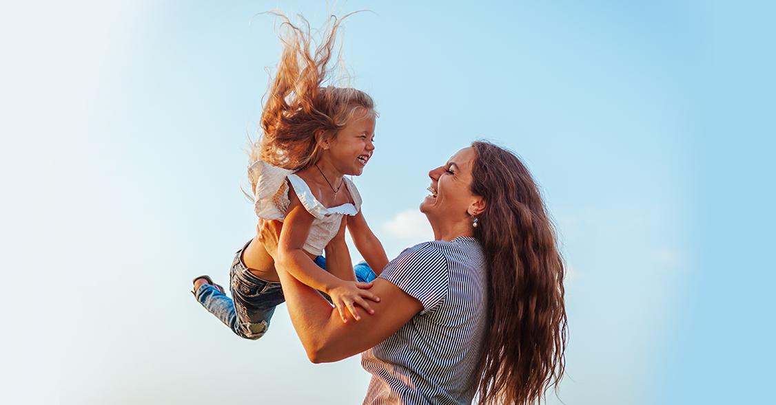 Įsimintiniausios mamos literatūroje: aklai mylinčios, gyvybėmis rizikuojančios, nepamirštamos!
