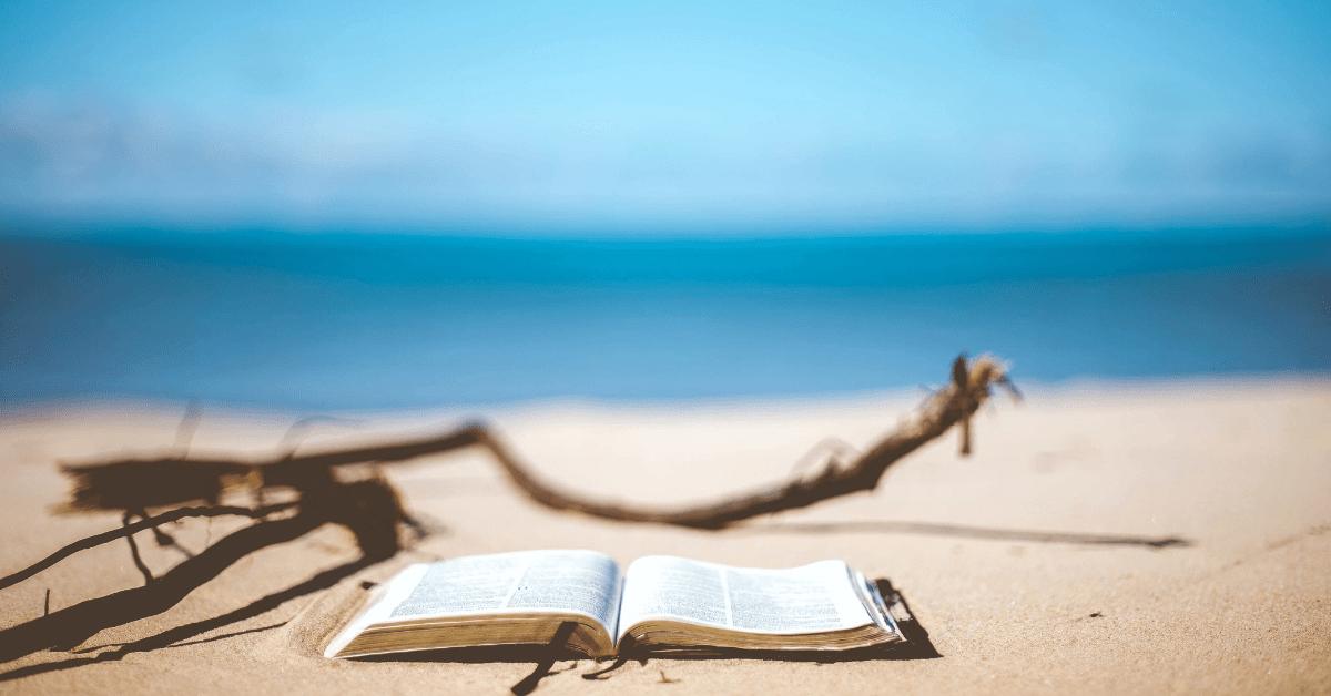 10 knygų atostogoms užsienyje